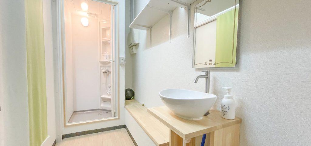 マッハ道場はキレイで明るく清潔なシャワーも完備しているため、練習後には清潔に仕事場やご自宅や用事にお出かけいただけます